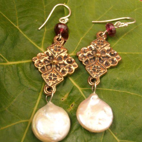 Tudor Quatrefoil Earring 1