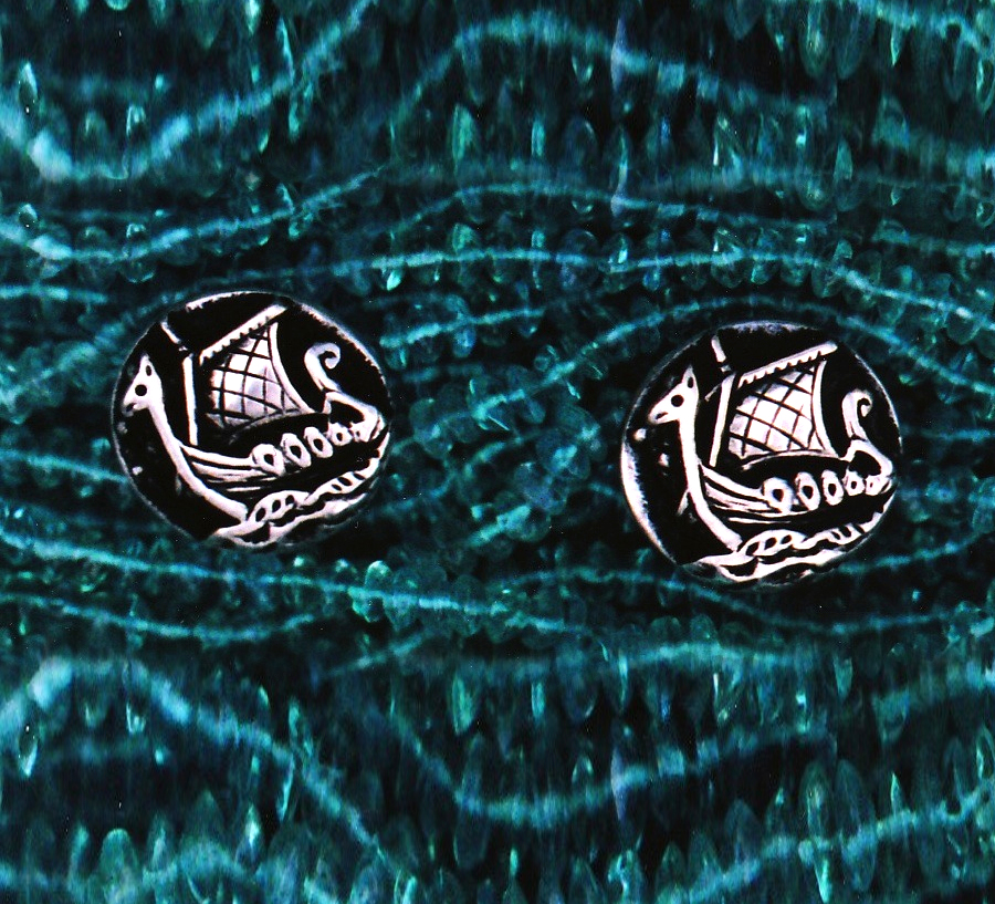 The brutality of the Vikings should never be underestimated. They earned their reputation as sea raiders, fierce men of the North. Adorable Sterling Silver Cufflinks these are fairly accurate depictions of Viking Dragon Ships... But the scale enables us to forget that these ships helped the Northmen make rivers and coasts of Europe their own for nearly four hundred years. And helped the Northmen turn Northern Scotland into an eternal outpost of the Viking world.