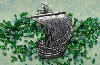 Irish County Ship Pin --Kildare